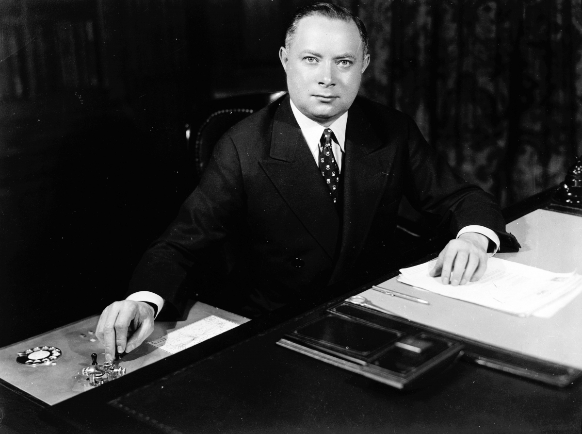 Sarnoff at his desk in 1930 as President of RCA