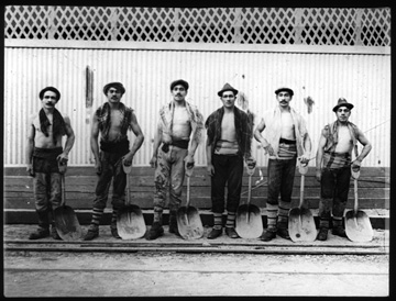 Chilean works with their shovels