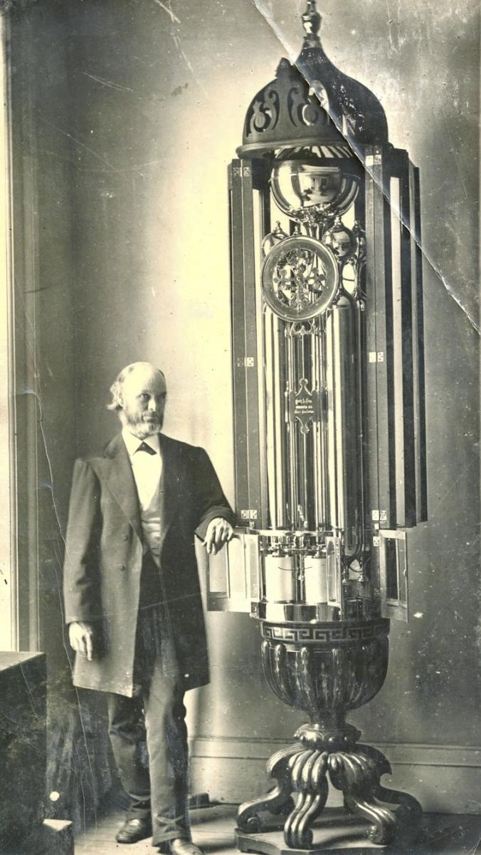Henry Clum with his Aelloscope
