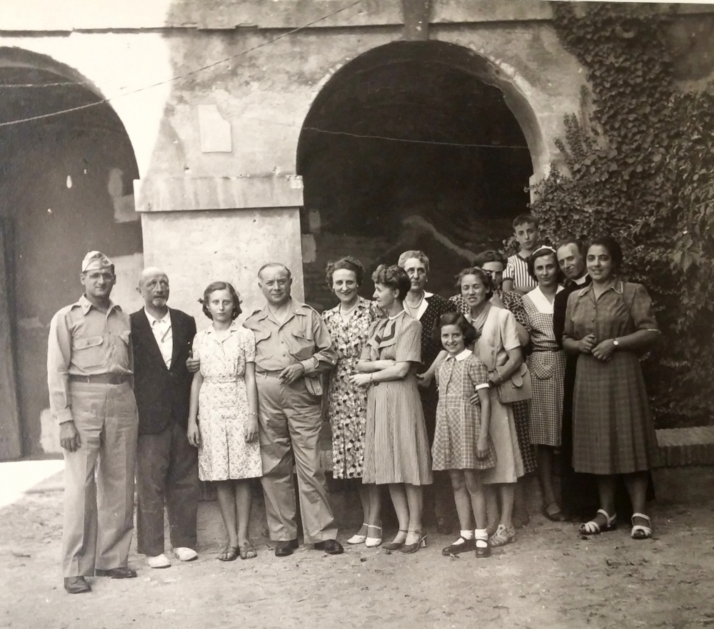 Sarnoff with the Marconi family in Italy