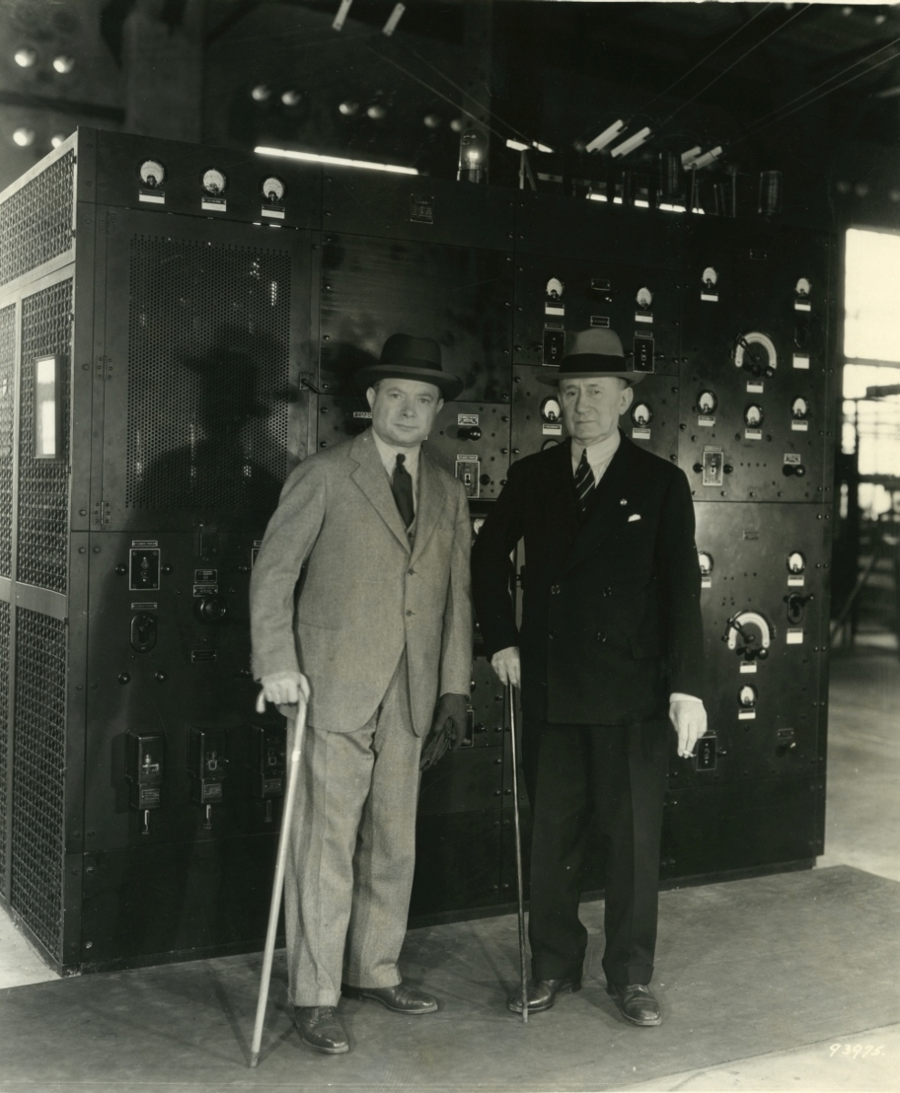 David Sarnoff and Guglielmo Marconi with canes