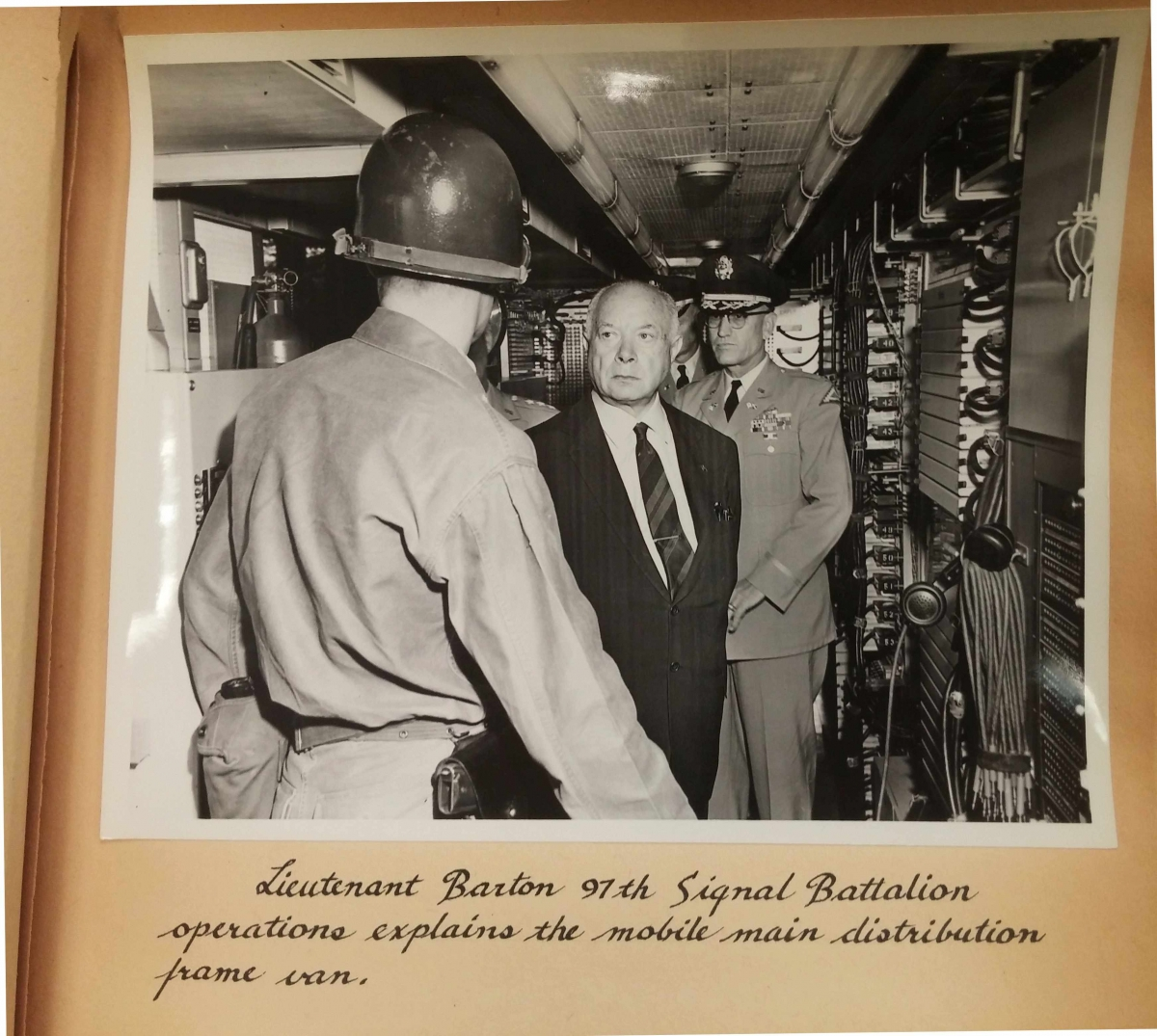 Sarnoff visiting the signal battalion operations